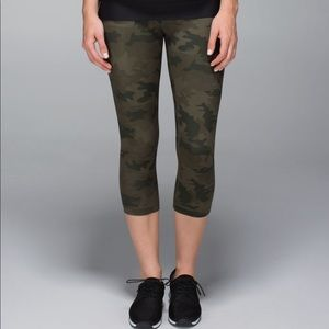 Lululemon Camo Cropped Leggings